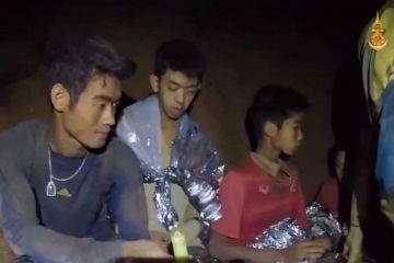 """Tailandia logra """"lo imposible"""" salvando a los 13 atrapados en la cueva"""