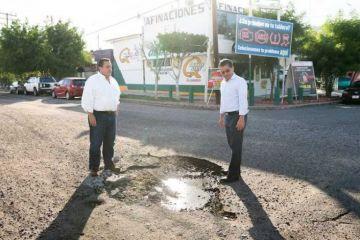 Gobernador de Baja California Sur anuncia programa intensivo de bacheo en