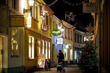 Los repuntes antes de Navidad fuerzan a plantearse confinamientos en Europa