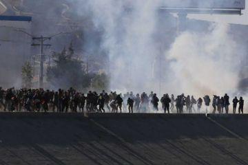 México pide a EE.UU. que investigue el uso de gases lacrimógenos en frontera