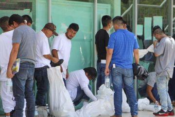 Detectan inusual cifra de deportaciones de EUA a México previo a redadas