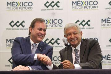 """López Obrador destaca """"confianza mutua"""" con el empresariado tras reunión"""