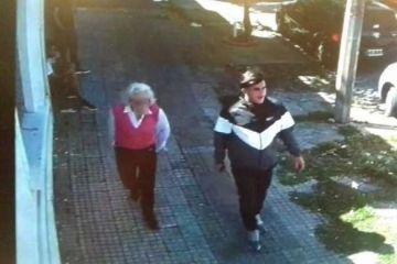 Haciéndose pasar por su nieto, estafó a una anciana robándole 60 mil USD