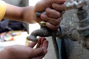 Agua a cambio del voto: chantaje que dicen sufrir vecinos de Ciudad de México