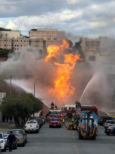 Explosión de gas en San Francisco provoca terrible incendio