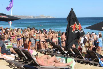 """""""Spring breakers"""" abarrotan Los Cabos pese a etiqueta de violencia"""