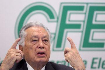 Manuel Bartlett, titular de la CFE, niega tener propiedades millonarias