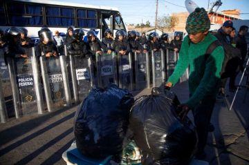 Migrantes resisten intentos de reubicación en Tijuana