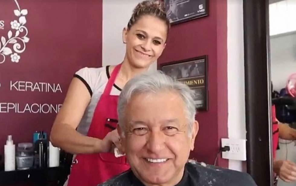 AMLO en peluquería