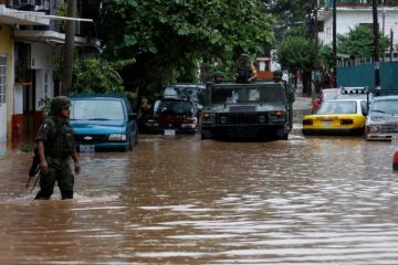 Narda se degrada a depresión tropical pero sigue provocando lluvias en México