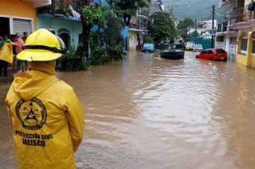 Narda se fortalecerá a tormenta tropical dejando fuertes lluvias en el oeste de México