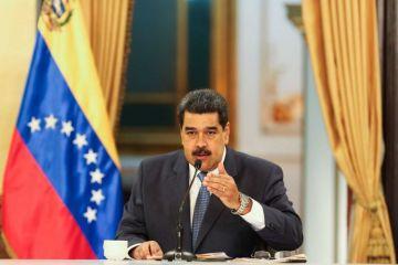 Intelectuales rechazan presencia de Maduro en investidura de López Obrador