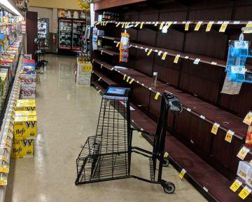 Comerciantes mexicanos advierten compras de pánico por cercanía de Willa