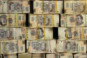 Policía detiene a dos personas con 20 millones de pesos en efectivo