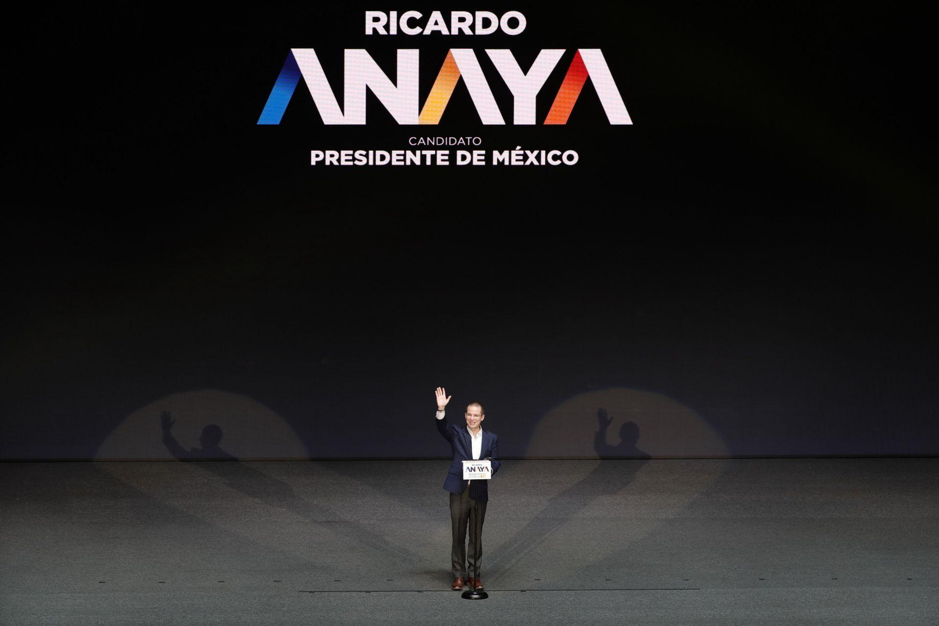Ricardo Anaya, del Partido Acción Nacional (PAN), que compite en alianza con el izquierdista Partido de la Revolución Democrática (PRD) y Movimiento Ciudadano.