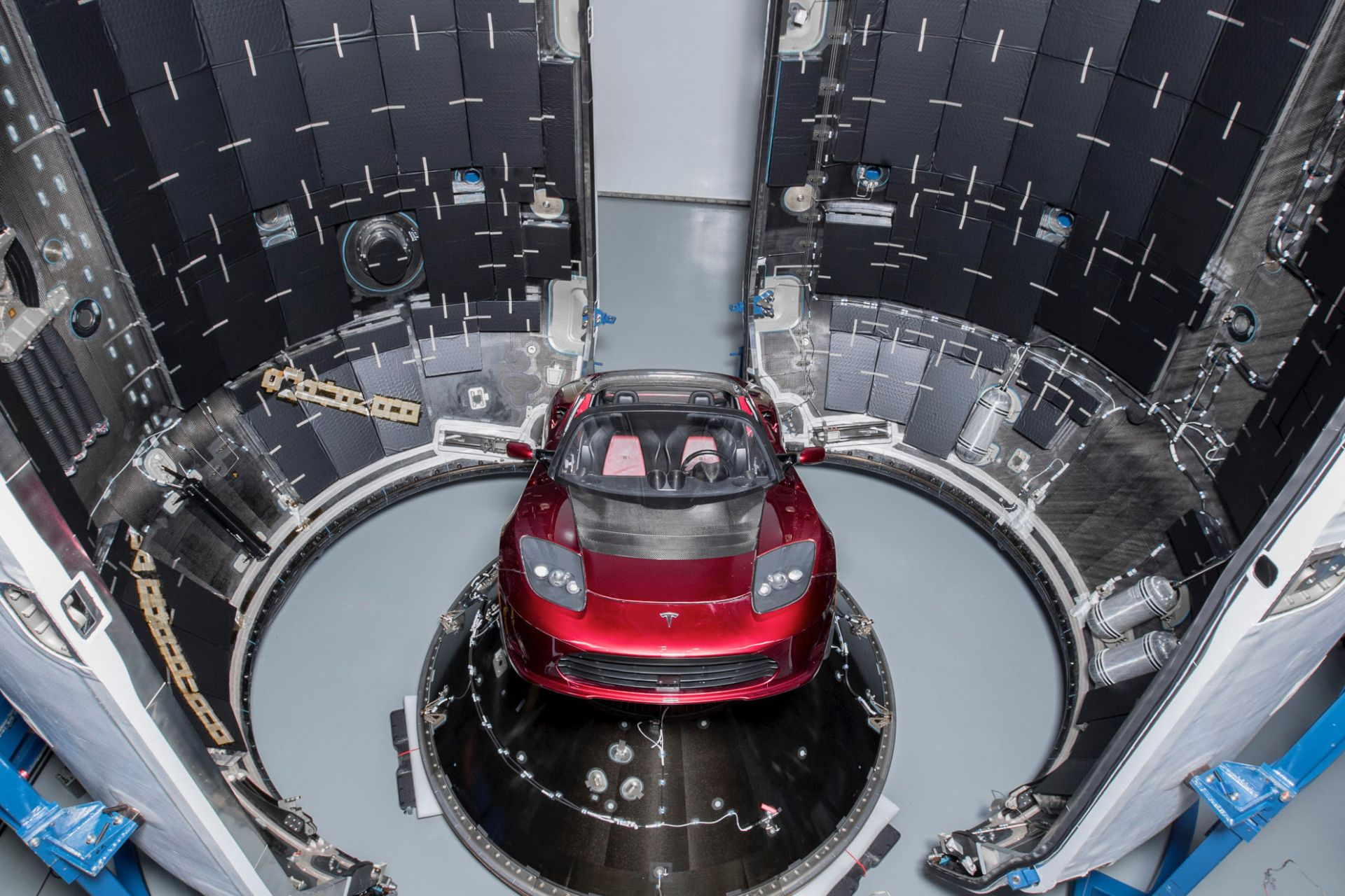 tesla en falcon heavy spacex