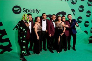 Expectación y estilismo arriesgado en alfombra verde de los Spotify Awards