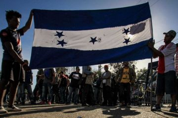 Caravana tensa ambiente político en Tijuana con alcalde como protagonista