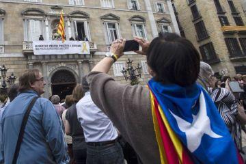 Cataluña recupera el autogobierno tras siete meses de intervención estatal