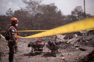 Hallan restos de víctimas de volcán en Guatemala con apoyo de sobrevivientes