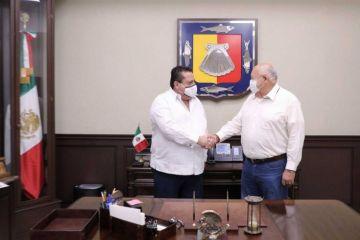 Carlos Mendoza y Victor Castro coordinan proceso de entrega-recepción del