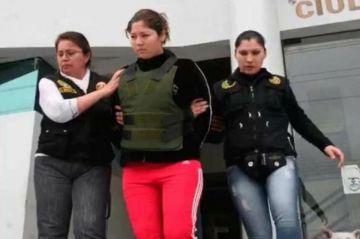 Madre es supuestamente culpada de homicidio por defender a su hija mientras su